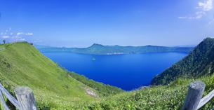 北海道 自然 風景 摩周湖の写真素材 [FYI04524204]