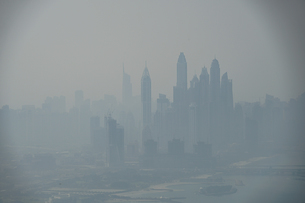 ドバイ(アラブ首長国連邦)の都市風景の写真素材 [FYI04525848]