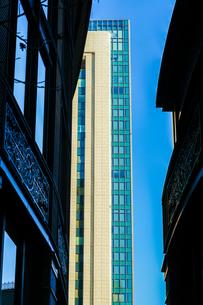 東京丸の内のビジネス街・オフィスビルのイメージの写真素材 [FYI04526107]