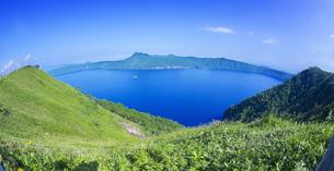 北海道 自然 風景 摩周湖の写真素材 [FYI04526569]