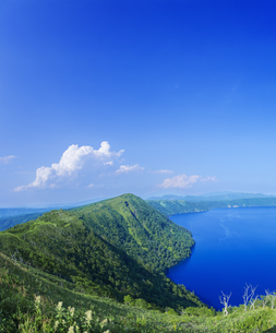 北海道 自然 風景 摩周湖の写真素材 [FYI04526579]