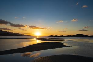 加布里湾の夕日の写真素材 [FYI04526819]
