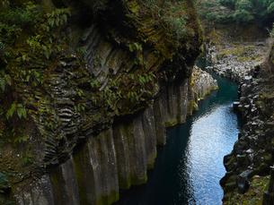 高千穂峡 柱状節理の写真素材 [FYI04527066]