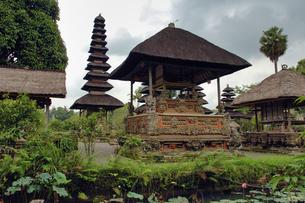 インドネシア バリ島 メングウィのタマンアユン寺院の写真素材 [FYI04528507]