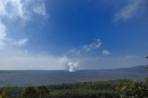 ハワイ州 ハワイ島 ハワイ火山国立公園のキラウエアカルデラの写真素材 [FYI04528531]