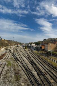 イタリア ローマ 複数の線路の写真素材 [FYI04528569]