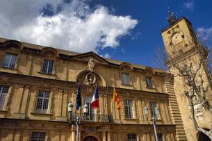フランス プロバンス地方 エクサンプロバンスの市庁舎の写真素材 [FYI04528631]