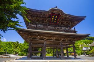 建長寺の三門の写真素材 [FYI04528959]