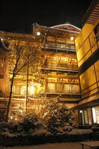渋温泉の夜景の写真素材 [FYI04529146]