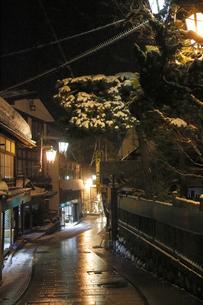 渋温泉の夜景の写真素材 [FYI04529148]