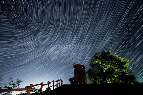 星の軌跡の写真素材 [FYI04529534]