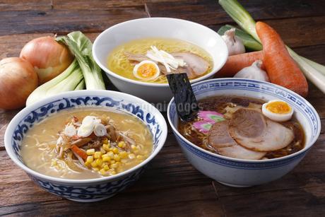 札幌味噌,塩,醤油ラーメンの写真素材 [FYI04530034]