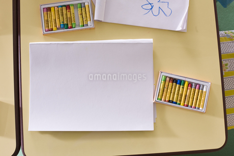 幼稚園や保育園にあるスケッチブックの写真素材 [FYI04530120]