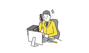 電話を持ってパソコンの前で悩むビジネスマンのイラストのイラスト素材 [FYI04531712]