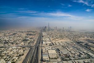 ドバイ(アラブ首長国連邦)の都市風景の写真素材 [FYI04532093]