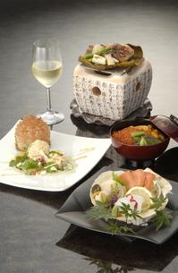 白ワインと秋の海鮮づくしの写真素材 [FYI04532754]