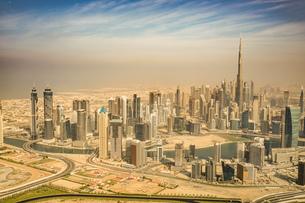 ドバイ(アラブ首長国連邦)の都市風景の写真素材 [FYI04534018]