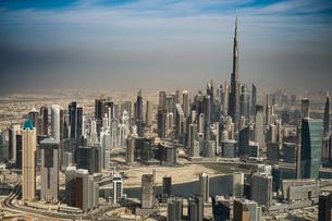 ドバイ(アラブ首長国連邦)の都市風景の写真素材 [FYI04534055]
