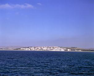 ジブラルタル海峡からモロッコを見るの写真素材 [FYI04534227]