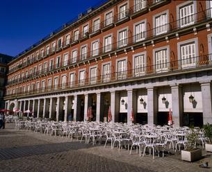 スペイン マドリッド マヨール広場の写真素材 [FYI04534265]