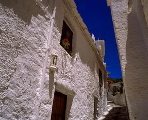 モロッコ ショーエンの白壁の家の写真素材 [FYI04534288]