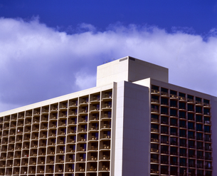 ハワイ州 オアフ島 ホノルルの高層ビルの写真素材 [FYI04534354]