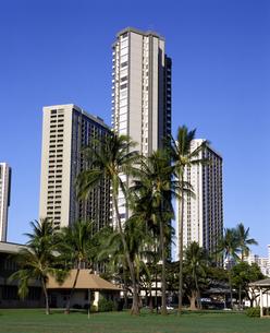 ハワイ州 オアフ島 ホノルルの高層ビルの写真素材 [FYI04534358]