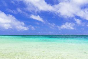 宮古島のわいわいビーチの写真素材 [FYI04534586]