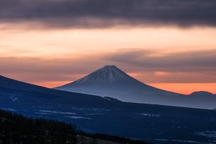 霧ヶ峰ビーナスラインからの富士山の写真素材 [FYI04535214]