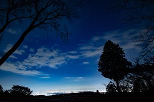 小仏城山の夜景の写真素材 [FYI04536778]
