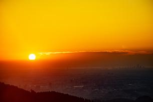 八王子市の日の出の写真素材 [FYI04536781]