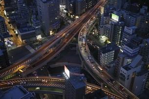 麻布十番から見える一の橋ジャンクションの写真素材 [FYI04536860]