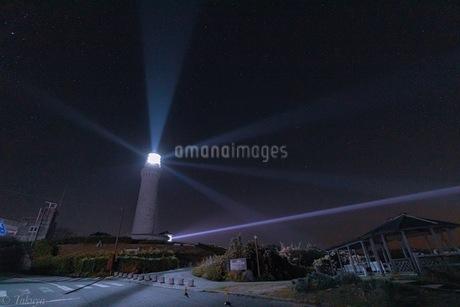 夜の角島灯台の写真素材 [FYI04537140]