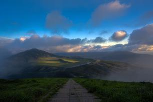 煙霞 杵島岳の写真素材 [FYI04537386]