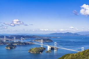 亀老山展望台より来島海峡大橋の写真素材 [FYI04538583]