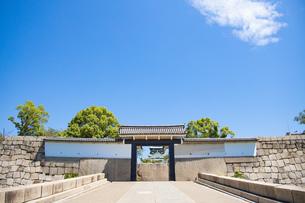大阪城桜門の写真素材 [FYI04541239]