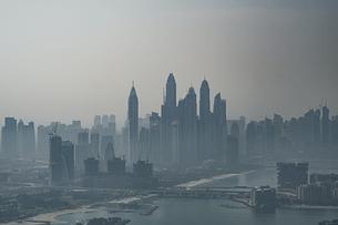 ドバイ(アラブ首長国連邦)の都市風景の写真素材 [FYI04541989]