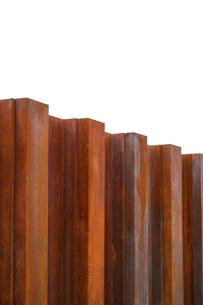 赤サビの鉄塀の写真素材 [FYI04542466]