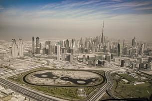 ドバイ(アラブ首長国連邦)の都市風景の写真素材 [FYI04542541]