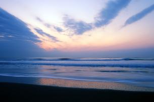 九十九里浜の夜明けの写真素材 [FYI04542741]