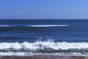 君ヶ浜海岸の白波の写真素材 [FYI04542751]
