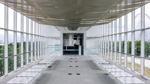 ガラス張り 葛西臨海公園のクリスタルビューの写真素材 [FYI04542764]