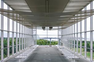 ガラス張り 葛西臨海公園のクリスタルビューの写真素材 [FYI04542778]