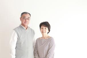 シニア夫婦のポートレートの写真素材 [FYI04543648]