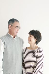 シニア夫婦のポートレートの写真素材 [FYI04543651]