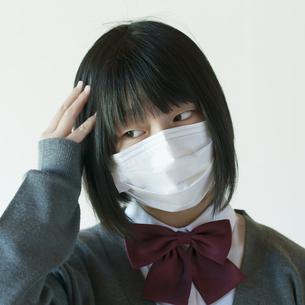頭痛がする中学生の写真素材 [FYI04545488]