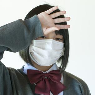 熱がある中学生の写真素材 [FYI04545489]