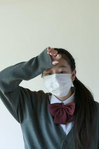 熱がある中学生の写真素材 [FYI04545550]