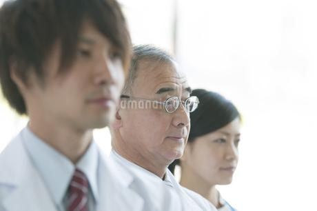 医者と看護師の写真素材 [FYI04545838]