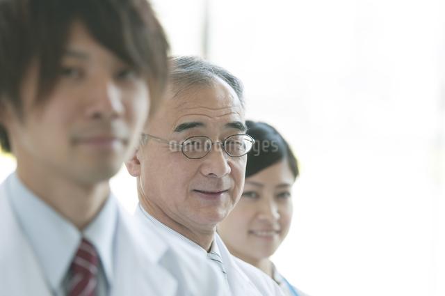 医者と看護師の写真素材 [FYI04545839]
